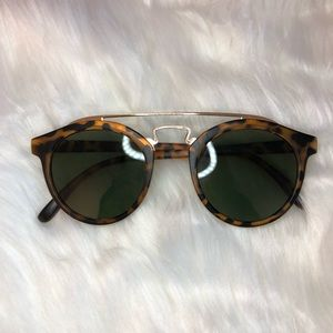 Accessories - 2/$15 Festival Style Tortoiseshell Sunglasses